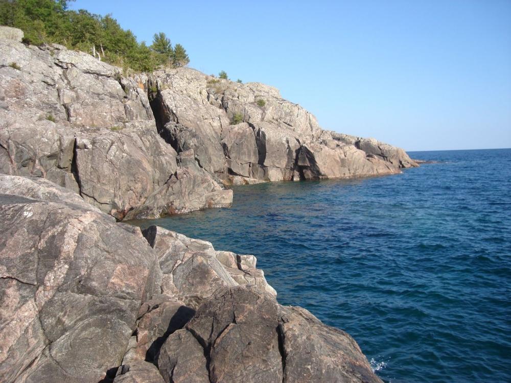 Granite-Lakeshore-Cliff-3104